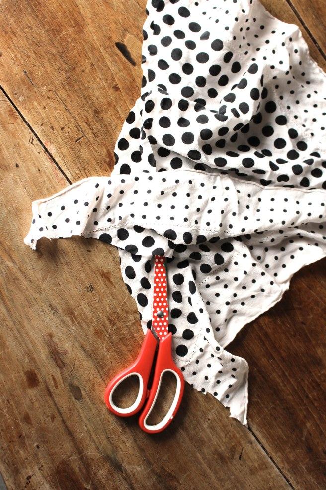 how to open sewn flour bag string