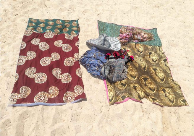 secret pocket in towel, beach towel with hidden pocket