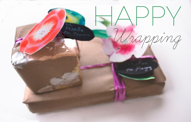 happy . Last minute wrapping idea, Presents , gifts idea . Christmas , holidays. magny