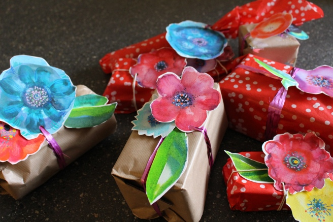 Last minute wrapping idea, name tags for gifts. Last minute wrapping idea, Presents , gifts idea . Christmas , holidays